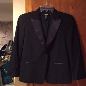Tuxedo 3/4 sleeve blazer